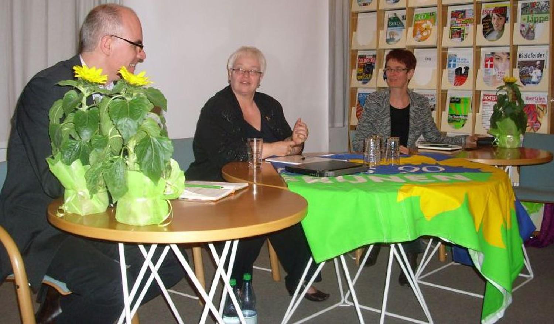 """""""Wir brauchen Bildungskonferenzen vor Ort"""" – Sigrid Beer informierte über die Zukunft der Schule in Nordrhein-Westfalen"""