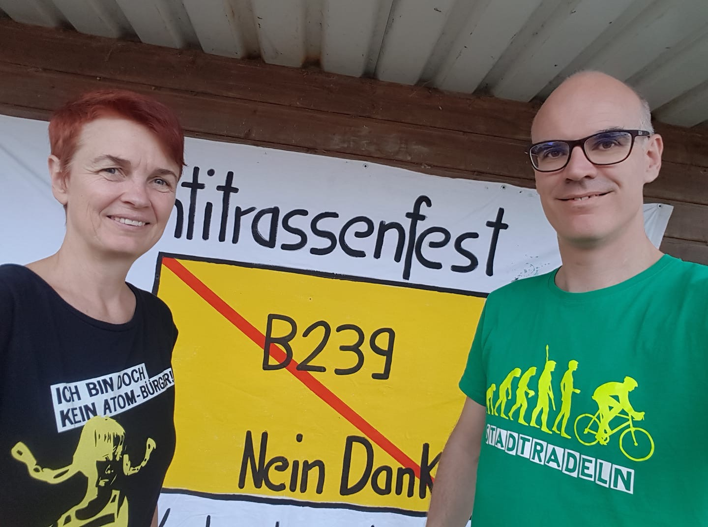 Ute Koczy und Burkhard Pohl beim Antitrassenfest 2019